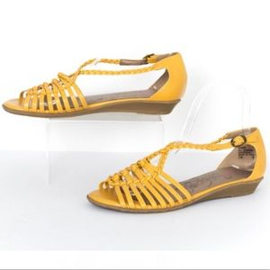 Jelly pop zing mustard braided sandals